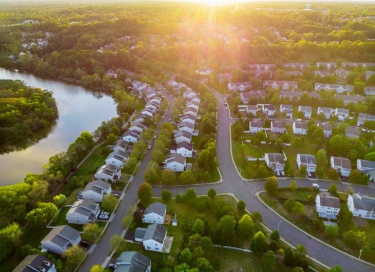 rows of houses| Investmentworthy suburb features
