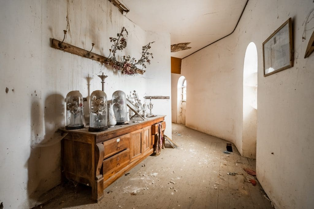 old broken house| Is it worth buying a derelict property